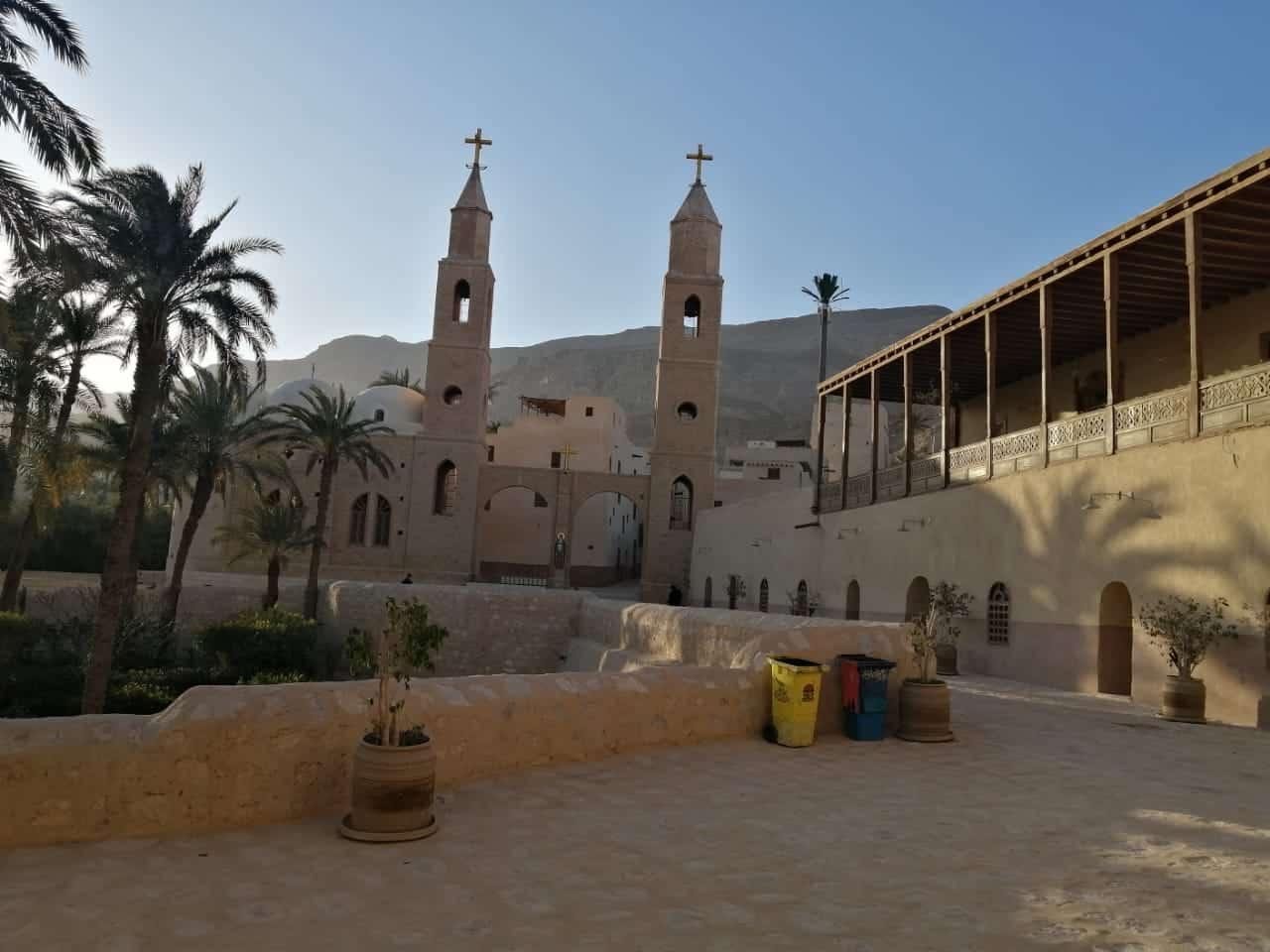 Sankt Paulus und Sankt Antonius Klöstern > Private Tagestour