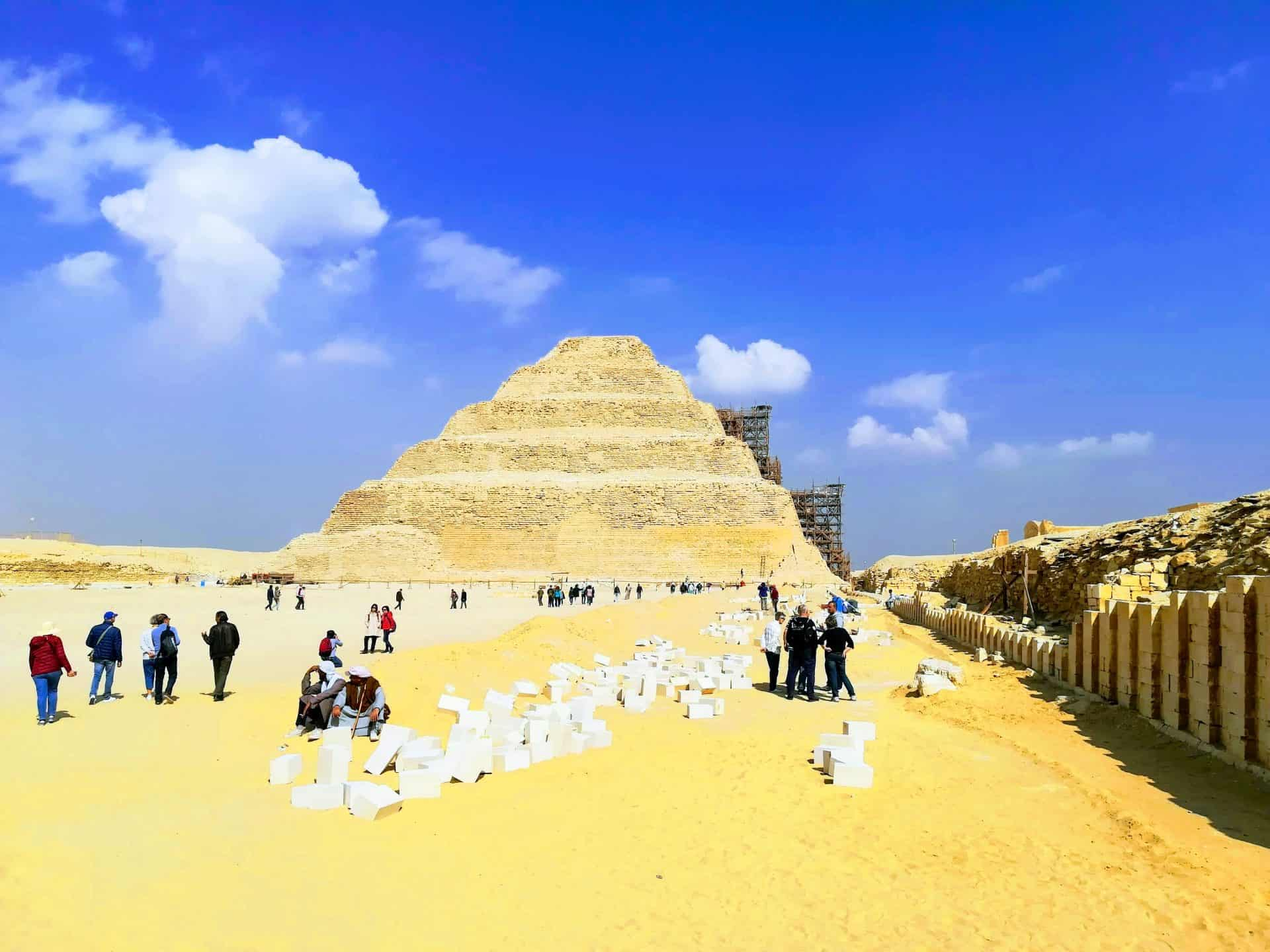 Pyramiden Tour – Pur. Exklusiver Privat Ausflug
